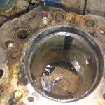Чистое отверстие в двигателе